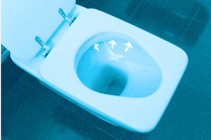 Wie Toilette unterm Rand putzen